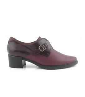 Zapato mocasín con hebilla