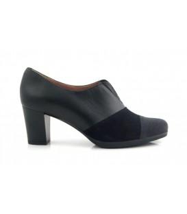 Zapato abotinado color negro