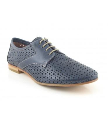 Zapato de cordones con calado