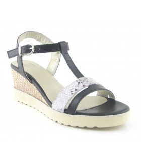 Sandalia de cuña color negro