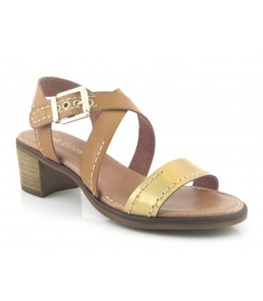 Sandalia de tacón en color cuero