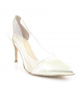 Zapato de tacón fino con vinilo