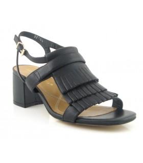 Sandalia de tacón en color negro
