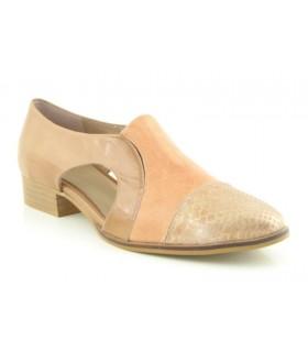 Zapato mocasín con abertura lateral