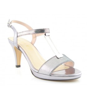 Sandalia de vestir con adorno metálico