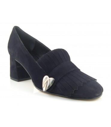Zapato mocasín negro con flecos