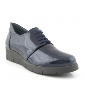 Zapatos de charol azul marino