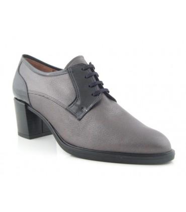 Zapato de cordones color negro