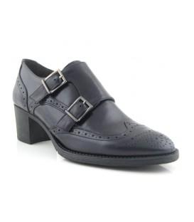 Zapatos con dos hebillas en color negro