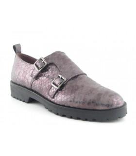 Zapato plano dos hebillas