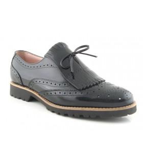 Zapato mocasín con lazo y flecos