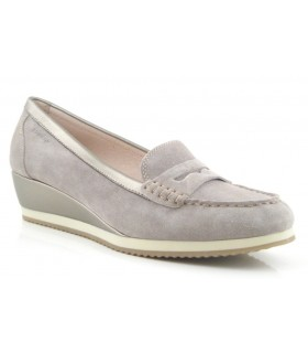 Mocasín color taupe para mujer