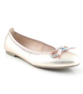 Zapato salón adorno lazo