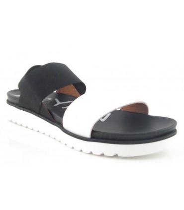 Sandalia de dos tiras elástica