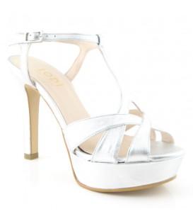 Zapato de vestir plateado
