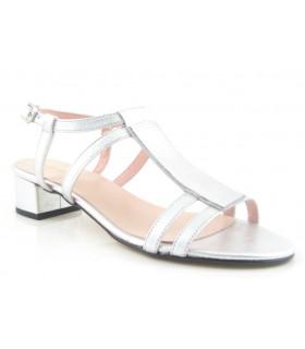 Sandalias color plata de tacón bajo