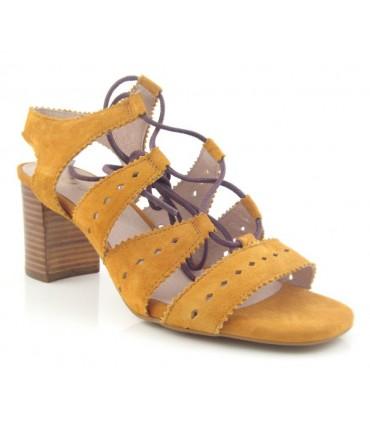 Sandalia de tacón color cuero