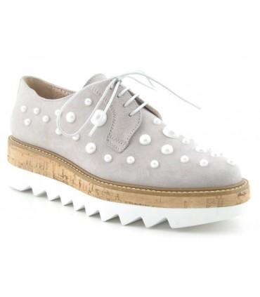 Zapato de cordones con perlas