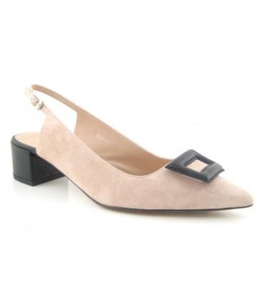 Zapato salón adorno bordado