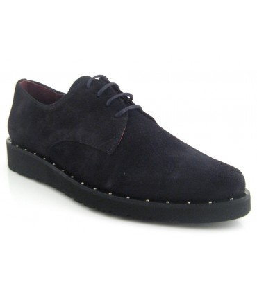 Zapatos de cordones negro con tachas