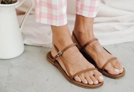 Nuevas sandalias de tiras en Yolanda